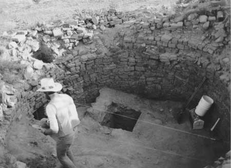 Las Ventanas great house kiva excavation New Mexico