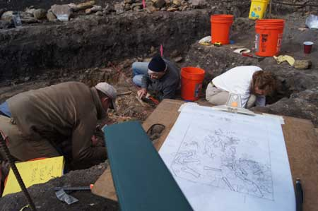 The excavations were sponsored by the Arizona Archaeological and Historical Society, and funded with help from the residents of nearby Portal, Arizona. (Photo courtesy Ballenger et al.)